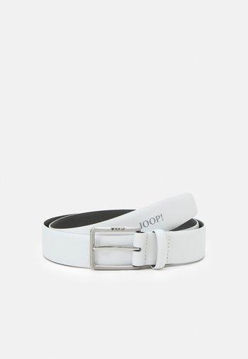 Belt business - white