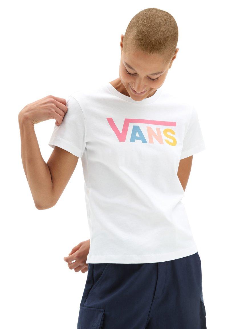 Vans - WM FLYING V CREW TEE - Print T-shirt - white