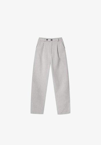 GERADE GESCHNITTENE  - Trousers - grey