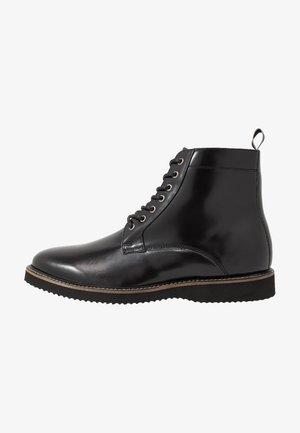 CHUCK LACE UP - Šněrovací kotníkové boty - smooth black/tape black/grey