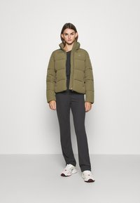 Tommy Jeans - MODERN PUFFER JACKET - Winter jacket - olive tree - 1
