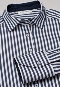 Eterna - Button-down blouse - marine/weiß - 5