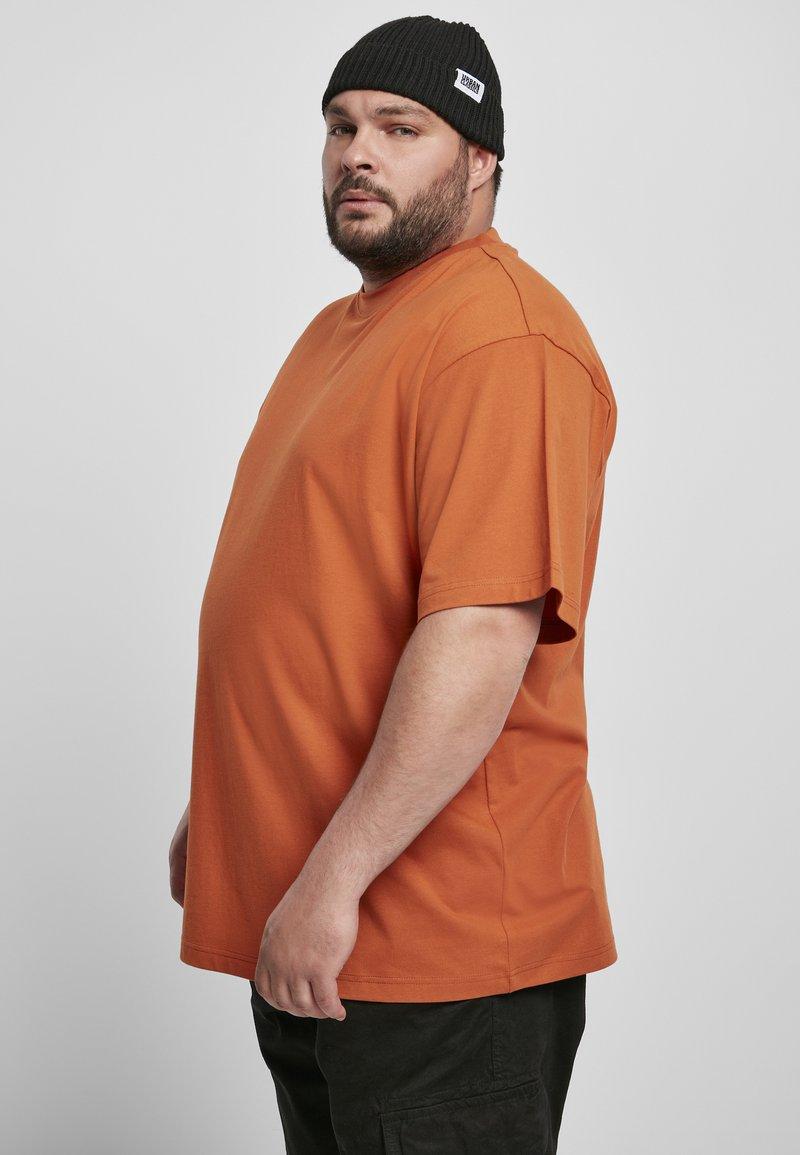 Urban Classics - T-shirt - bas - rustred