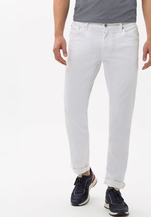 STYLE CHUCK - Straight leg jeans - white