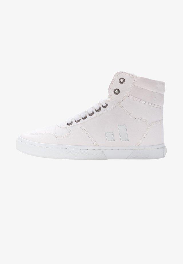 Skate shoes - white
