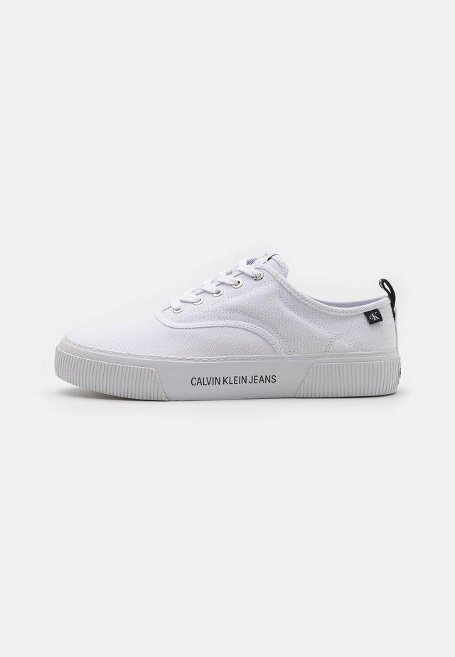 SKATE OXFORD - Sneakers basse - bright white
