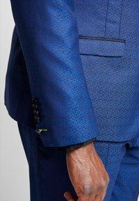 Twisted Tailor - REGAN SUIT PLUS - Suit - blue - 9