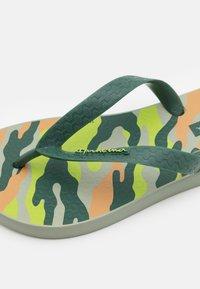 Ipanema - CLASSIC IX KIDS - Pool shoes - green/beige - 5