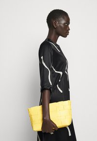 Marimekko - VUOSI LAUHA DRESS - Denní šaty - black/light beige - 3