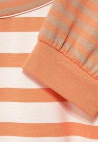 Street One - MIT STREIFEN - Long sleeved top - strong mandarine - 4