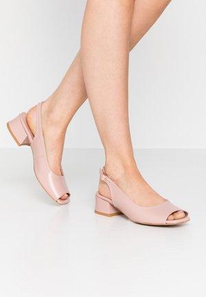 LAZY MORNING - Sandaalit nilkkaremmillä - pink