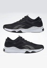 Reebok - REEBOK HIIT SHOES - Sneakers - black - 6