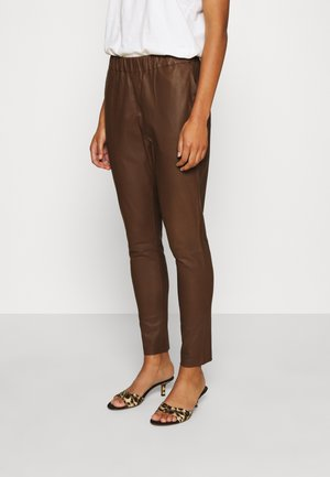 PANT - Leather trousers - tobacco