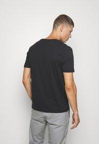 Pier One - 2 PACK - Basic T-shirt - anthracite/black - 2
