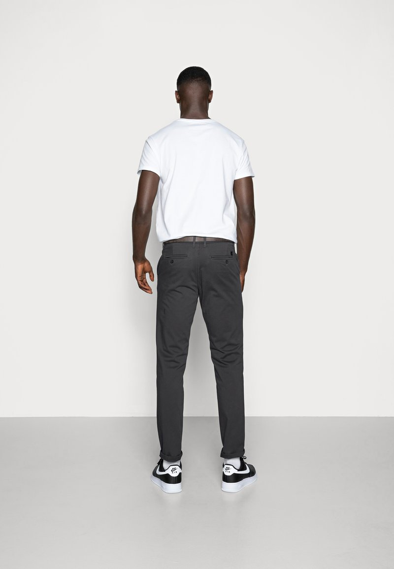 Jack & Jones - JJICODY JJSPENCER - Trousers - dark grey