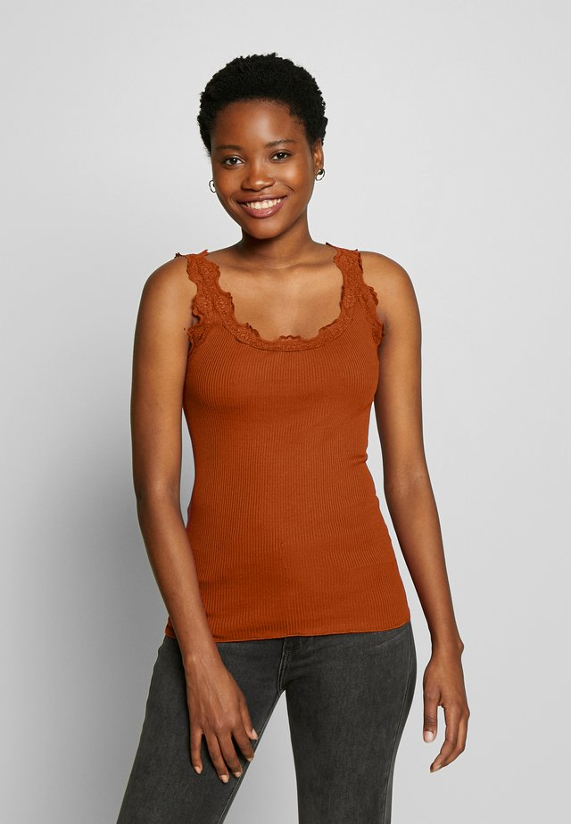 SILK-MIX TOP REGULAR W/VINTAG LACE - Top - red ochre