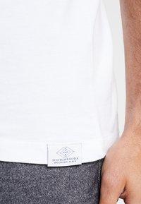 Scotch & Soda - POCKET TEE - T-shirt basic - white - 3