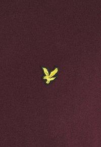 Lyle & Scott - PLUS CREW NECK JUMPER - Jumper - burgundy - 2
