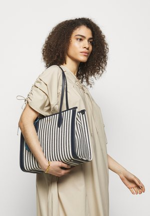 MEDIUM TOTE - Handbag - blue