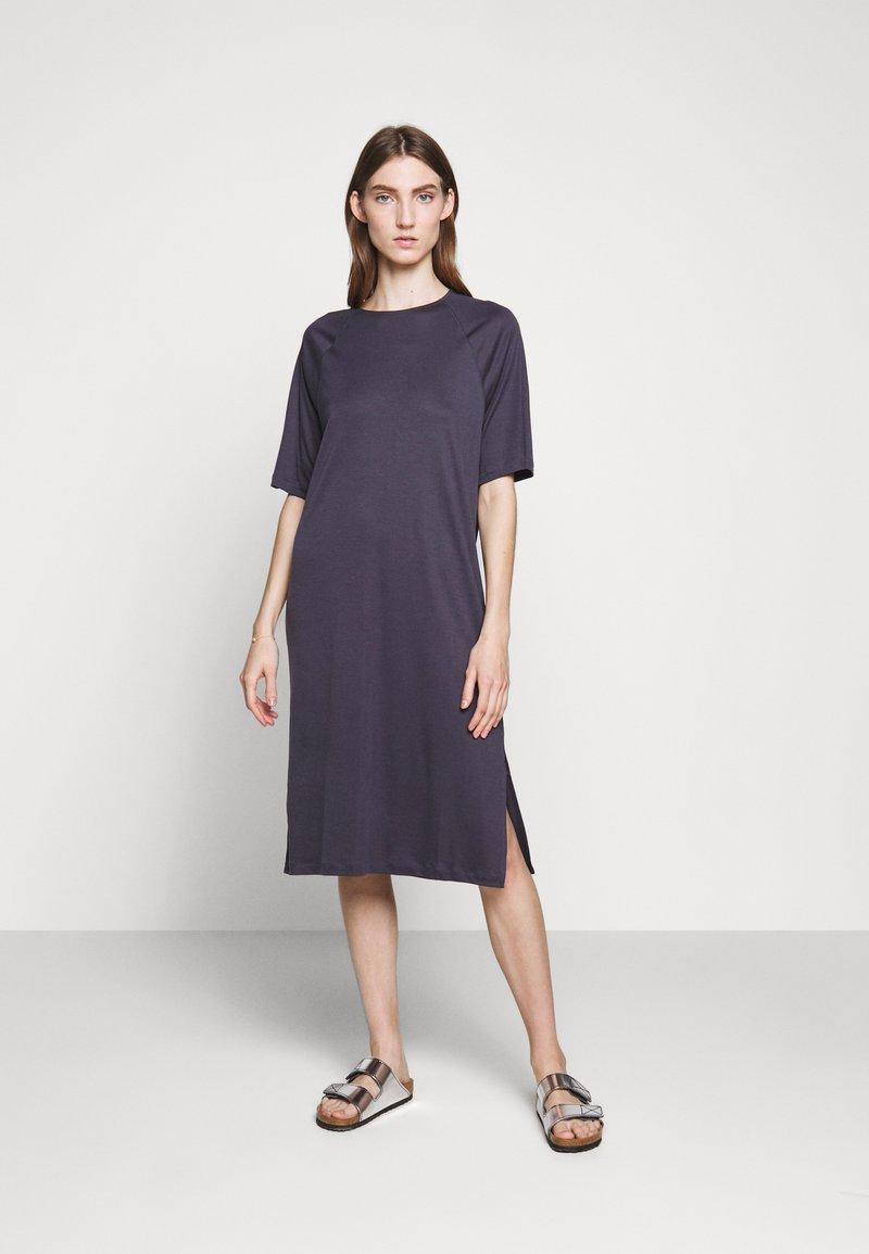 Filippa K - MIRA DRESS - Žerzejové šaty - ink blue