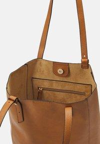 Lindex - SHOPPER LINDSEY - Velká kabelka - brown - 2