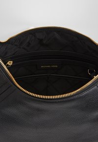 MICHAEL Michael Kors - ARIA PEBBLE  - Handbag - black - 4
