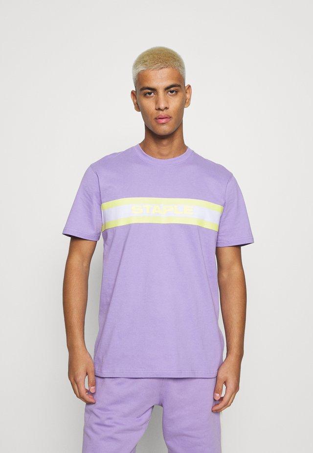 TAPE LOGO UNISEX - T-shirts med print - lilac