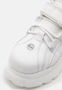 Buffalo London - Vysoké tenisky - white - 5