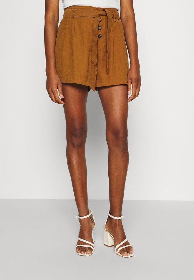 ONLVIVA EMERY BELT - Shorts - rubber