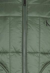 Calvin Klein Jeans - QUILTED LINER JACKET - Bomber Jacket - duck green - 6