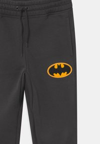 GAP - BOYS BATMAN  - Tracksuit bottoms - flint grey - 2