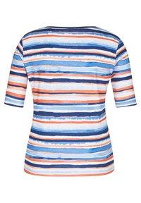Rabe 1920 - MIT GESTREIFTEM MUSTER UND RUNDHALSAUSSCHNITT - Print T-shirt - dunkelblau - 1