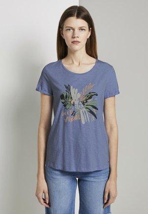MIT BRUSTPRINT - T-shirt imprimé - fresh light blue