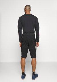 Fox Racing - RANGER UTILITY SHORT 2-IN-1 - Sports shorts - black - 2