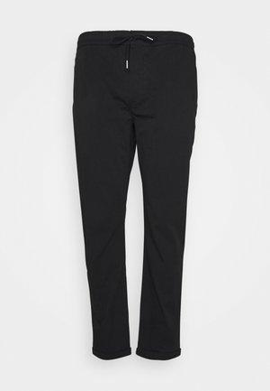 MICK PANTS PLUS - Trousers - black