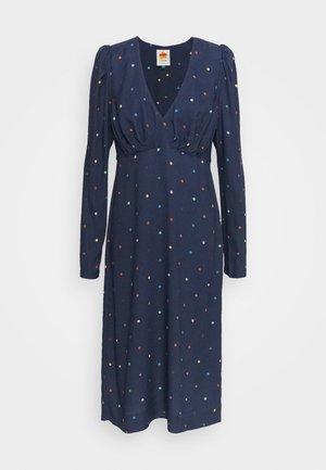 LUCY DOTS V NECK DRESS - Košilové šaty - dark blue/multi-coloured