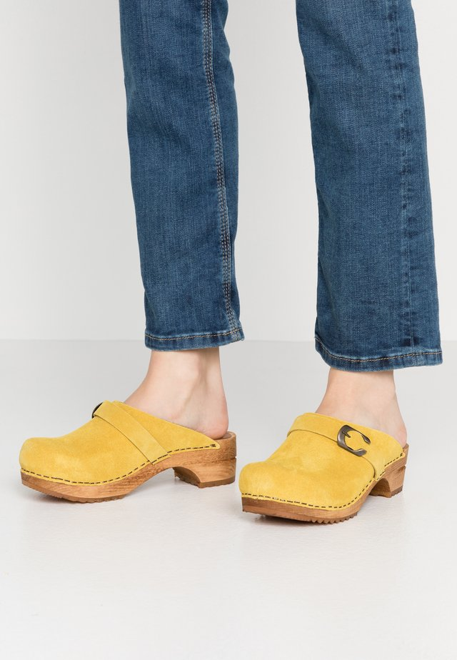HEDI OPEN - Clogs - yellow
