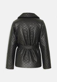 Fashion Union Petite - FINLO - Imitatieleren jas - black - 1