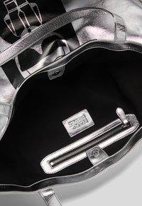 KARL LAGERFELD - Tote bag - silver - 3