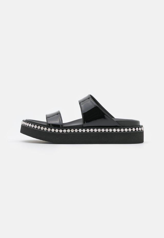 FLAT - Pantofle - nero
