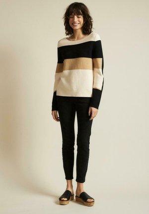 Sweatshirt - powder/black