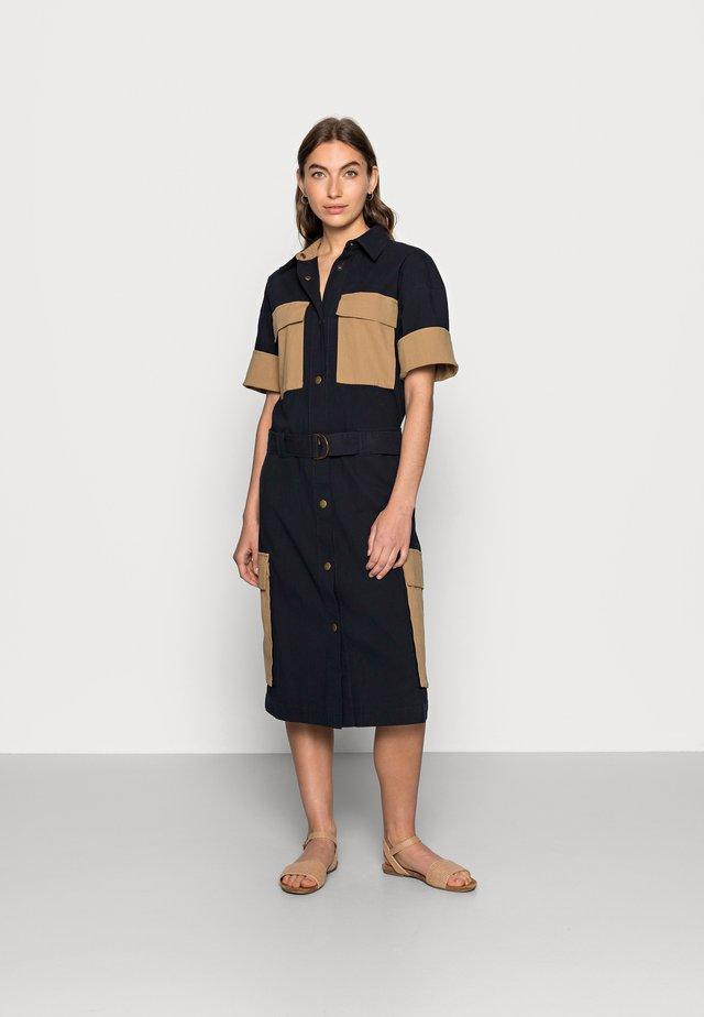 PIANNA - Košilové šaty - dark camouflage