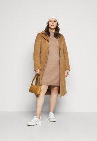 ONLY Carmakoma - CARPRIMEUS TUNNEL NECK TUNIC DRESS - Jumper dress - brownie - 1