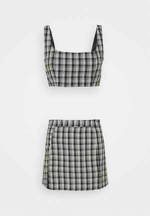 CHECK BRALET SKIRT CO ORD SET - Top - black