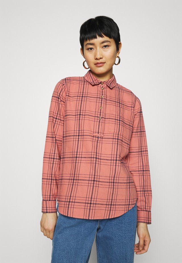 POPOVER SHIRT IN PINK BLUE PLAID - Paitapusero - terrace plaid rose dust