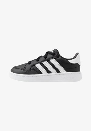 TEAM COURT - Instappers - core black/footwear white