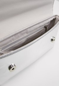 Dorothy Perkins - Clutches - silver - 4
