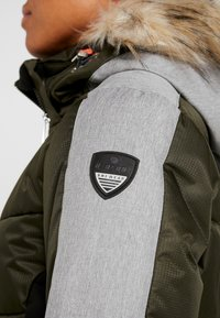 Icepeak - ELECTRA - Snowboard jacket - dark green - 9