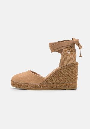 COLIN - High heeled sandals - camello