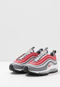 Nike Sportswear - AIR MAX 97 UNISEX - Zapatillas - smoke grey/university red/white/grey fog - 3